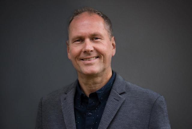 Reinhard Ahrens